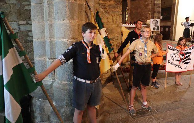 Près de 400 scouts et guides à l'abbatiale Saint-Melaine ce mardi soir