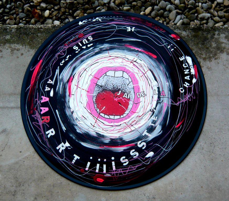 collage photo couleur sur vinyl 33 tours et techniques mixtes.