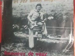 """Pino Santo, un chanteur belge des années 1980 avec ses goélands ou ses black Angels, des hits tels """"petite fille"""" et """"amoureux de vous"""""""