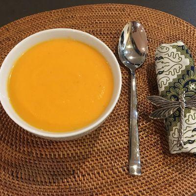 Soupe de patate douce et carottes au gingembre