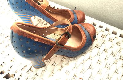 Chaussures Gold Button