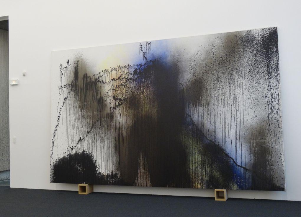 Oeuvres des deux artistes et vues de l'architecture des ateliers.