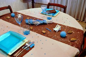 """Ma table bleu turquoise et cacao"" (concours inside)"