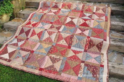 "QUILT ""ANTIQUE FAIR"""