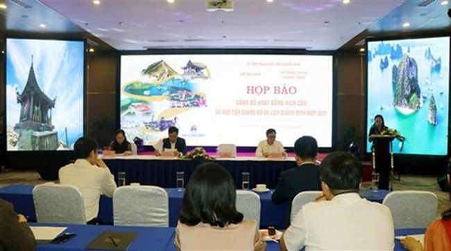 Courtesy photo: Quang Ninh holds a press conference to introduce the tourism promotion plan on April 2.