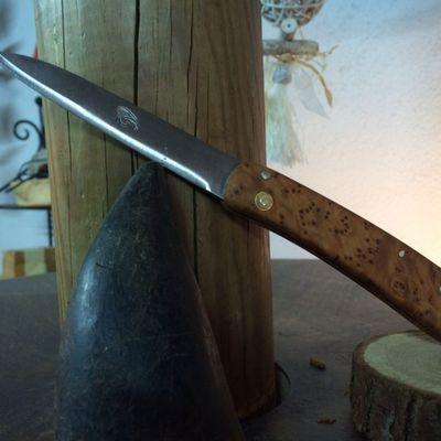 Création couteau pliant en loupe de cade