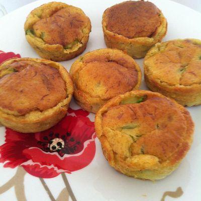 Petits muffins aux courgettes, curry et gruyère