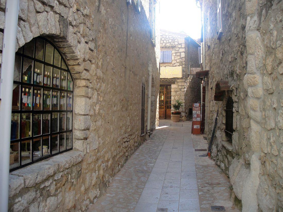 Véritable forteresse médiévale, des Alpes Maritimes,