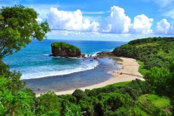 Pantai Krakal Gunung Kidul, surfing dan landscape Alam Indah di Jogja - notizen.over-blog.com