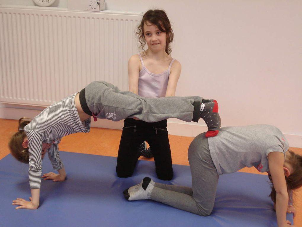Les acrobates de la classe de CP-CE1