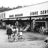 """En 1963, Carrefour invente l'hypermarché """"à la française"""""""