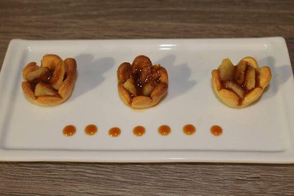 Fleurs de pommes au caramel