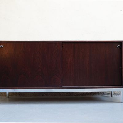buffet-enfilade-style-florence-knoll-annees-70-vintage-design-designer-placage-de-palissandre-pietement-chrome