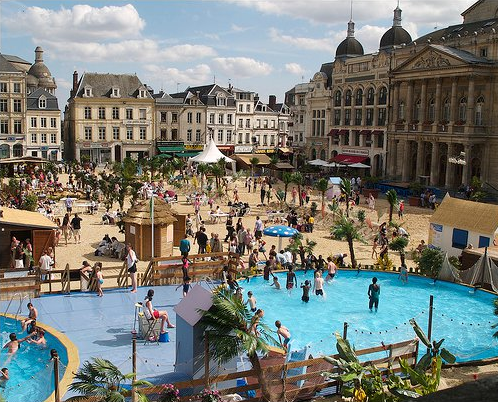 """L'info de la semaine : la plage en ville, ce n'est pas """"que"""" Paris-Plages !"""