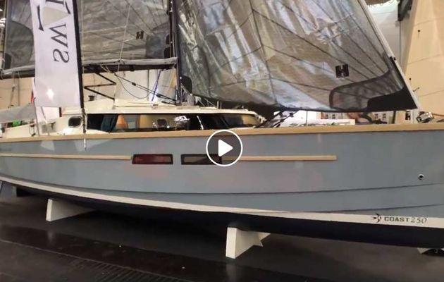 Coast 250 – Un petit voilier à quille pivotante de 7,50 m équipé… d'un moteur hors-bord de 70 ch !