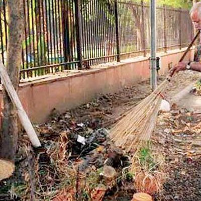 swachata abhiyan:               who are like the Narendra Modi...........