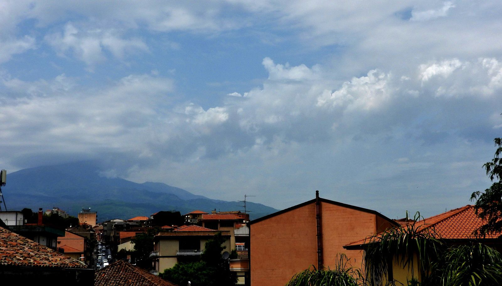 Etna - 05.27.2021 - summit activity remains obscured by cloud cover; the ash cloud exceeds this one and testifies to the strong strombolian activity - photo INGV