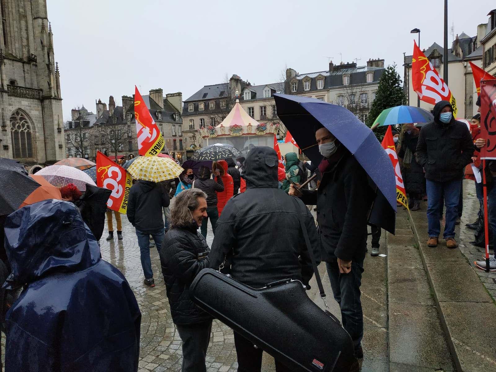 3 décembre 2020 - Le monde de la culture manifeste à Quimper à l'appel de la CGT (photos et commentaire Yvonne Rainero)