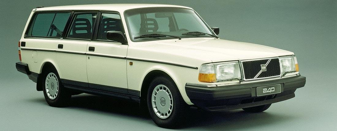 """Dans les années 80-90, les breaks étaient avant tout des véhicules """"utilitaires"""", à l'image """"du Nevada"""" et du Volvo 240. Certains les appelaient des """"briques sur roues"""" voire même des """"corbillards"""". Heureusement, les breaks produits de nos jours sont beaucoup plus beaux, à défaut d'être aussi spacieux..."""