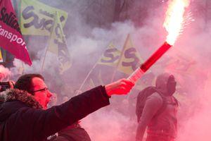 Veillée d'armes face à la grève qui vient