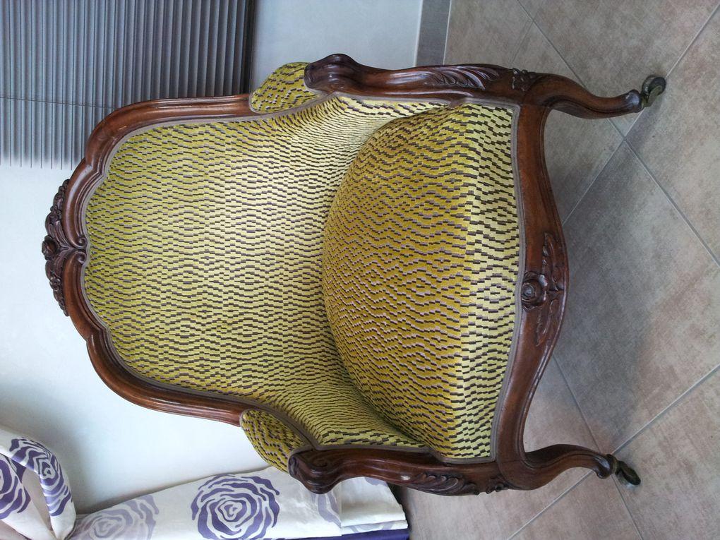 restauration fauteuil bergère ARABESQUE La decoration sur mesure THIERS Puy de Dome 63 TAPISSIER DECORATEUR fauteuil rideaux stores tissus