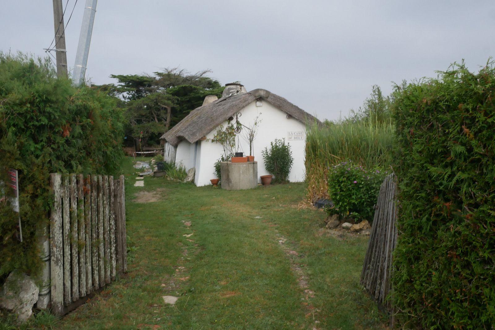La bourrine, c'est l'habitat typique du pays maraichin
