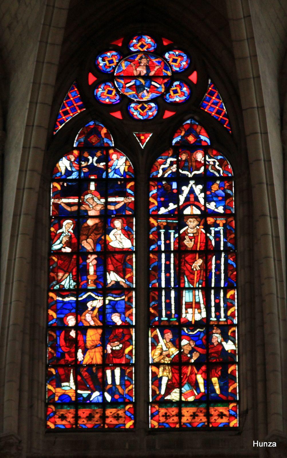 Cathédrale de Meaux, vitrail de la crucifixion
