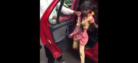 Vingt enfants dans une voiture