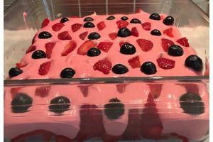 Tiramisu aux fraises & myrtilles
