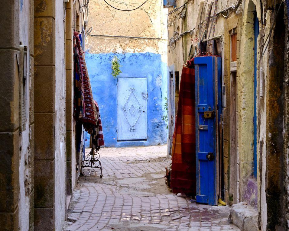 Chaque rue est extraordinaire par ses couleurs, sa luminosité, ses détails et ses angles.