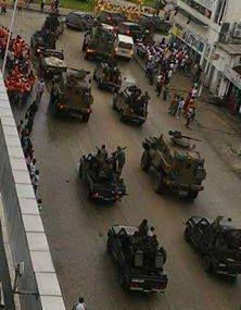 #CongoBrazza / Pour ouvrir la campagne électorale, #Sassou fait défiler ses blindés !
