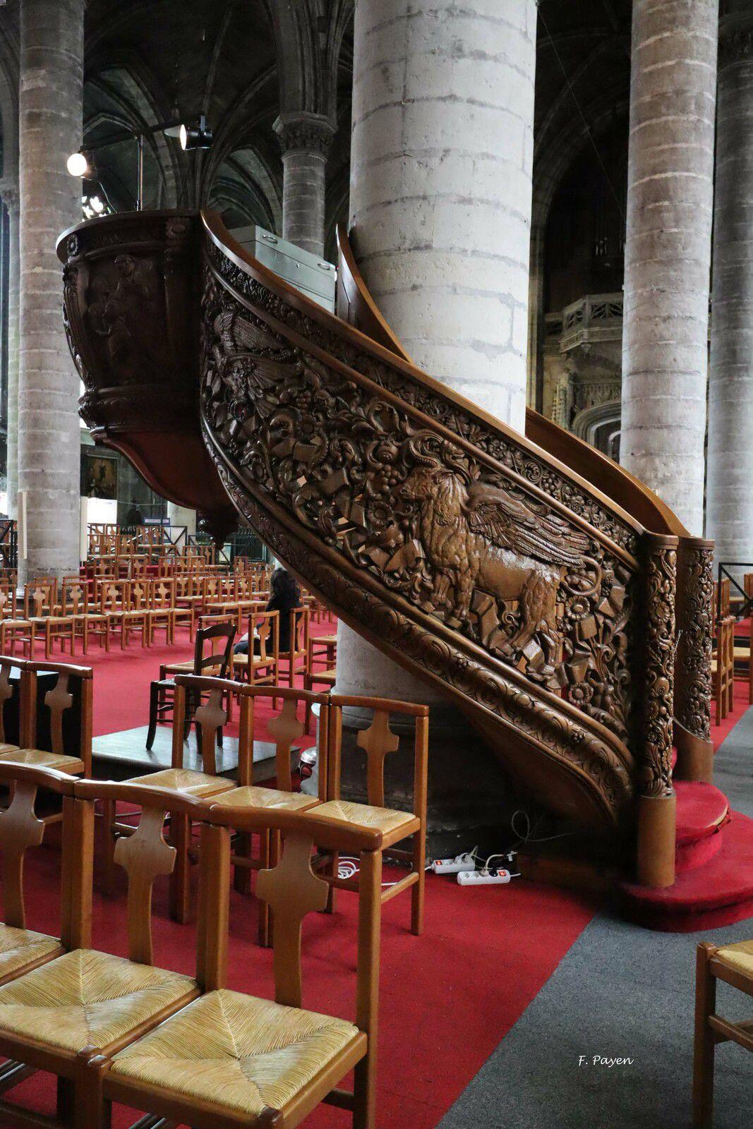 intérieur de l'église Saint-Maurice