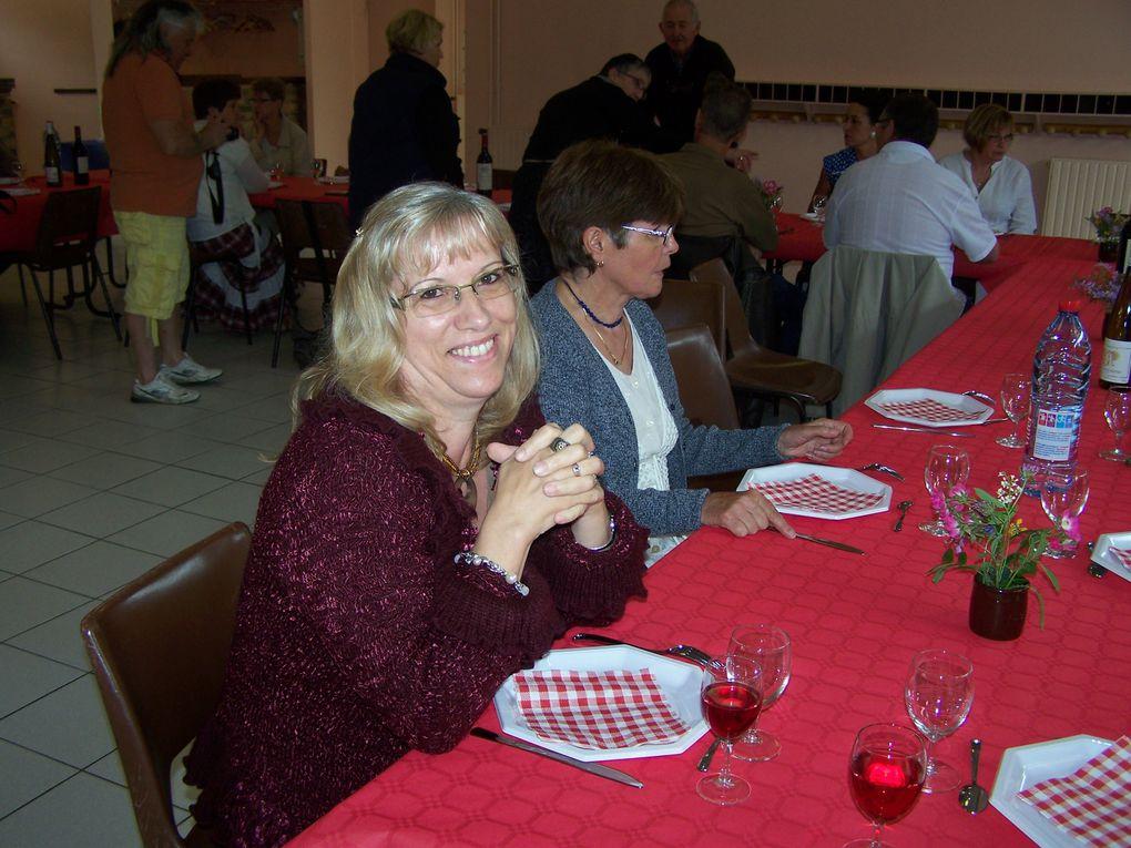 RDV des Cowboys à la salle des fêtes des Choux,pour un buffet froid réalisé par Martine & Thierry