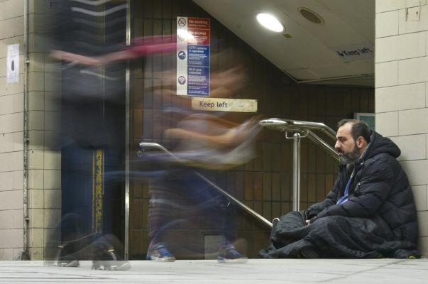 Une étude britannique donne des cigarettes électroniques aux sans-abri pour les aider à arrêter de fumer