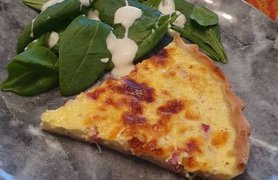 Quiche au bacon et au cheddar