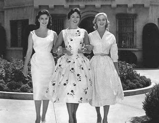 Miss Universo, Miss Alemania y Miss Suecia, 1957, un concepto de belleza muy distinto al de hoy en día.