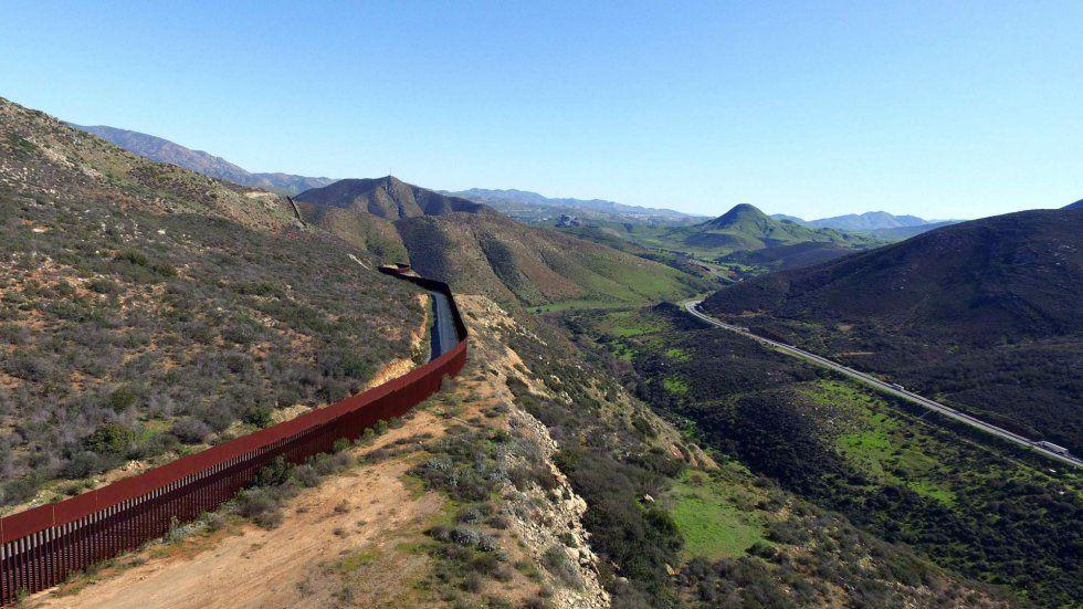 Imágenes del muro que separa México de los Estados Unidos de América, a vista de dron.- El Muni.