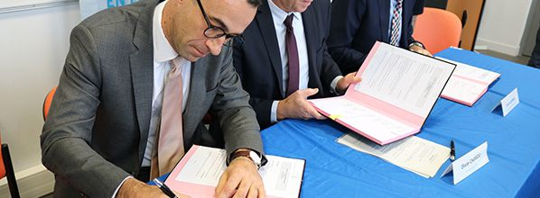 Partenariat entre l'ENAC et Air France pour la formation de pilotes cadets