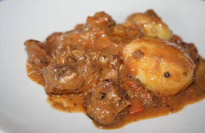 Curry de cochon matsaman, basse température
