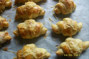 MINI CROISSANTS AU SAUMON ANETH