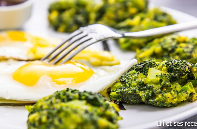 Croquettes de brocolis au curcuma