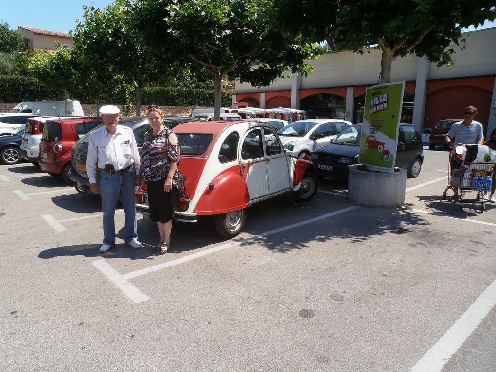 Admettez que trouver une 2 Chevaux Citroën, presque neuve, sur le parking d'une supérette, n'est pas banal. D'autant qu'elle était pilotée pas son propriétaire d'origine. Pas la peine de vous dire que Cessany était aux anges surtout quand il lui a proposé de faire le tour du parking !