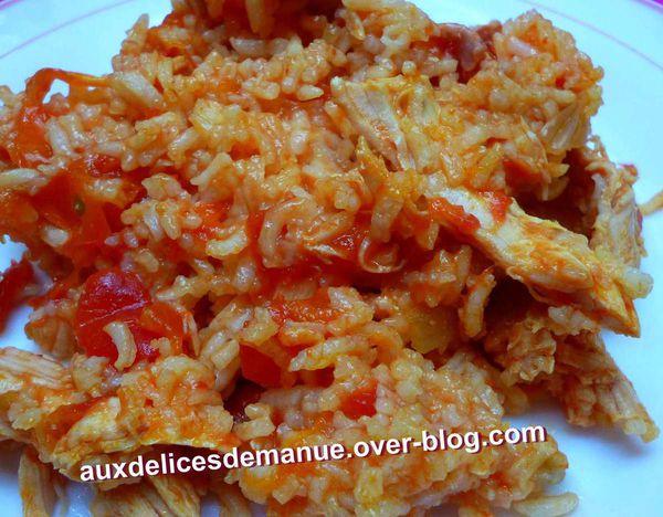 poulet fumé et riz à la tomate