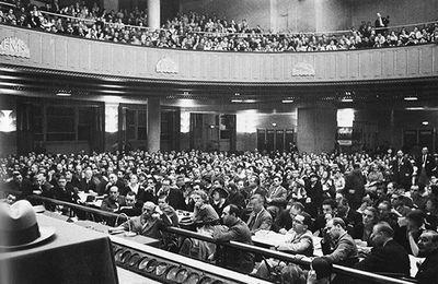 Juin 1935: Congrès international des écrivains