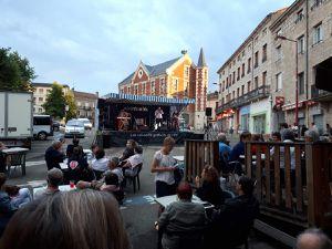 """Jeudi 5 juillet 2018 au """"Café-Crème"""" place du marché à Firminy pour une autre soirée des bistrots en fête. Moment de détente en écoutant Thomas Khan et ses musiciens."""