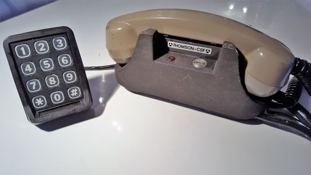 Telephone de voiture Thomnson CSF collection Mobilophiles