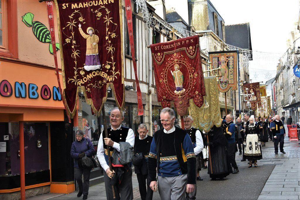 La procession du pardon en 2017 (photo archive Penhars Infos)