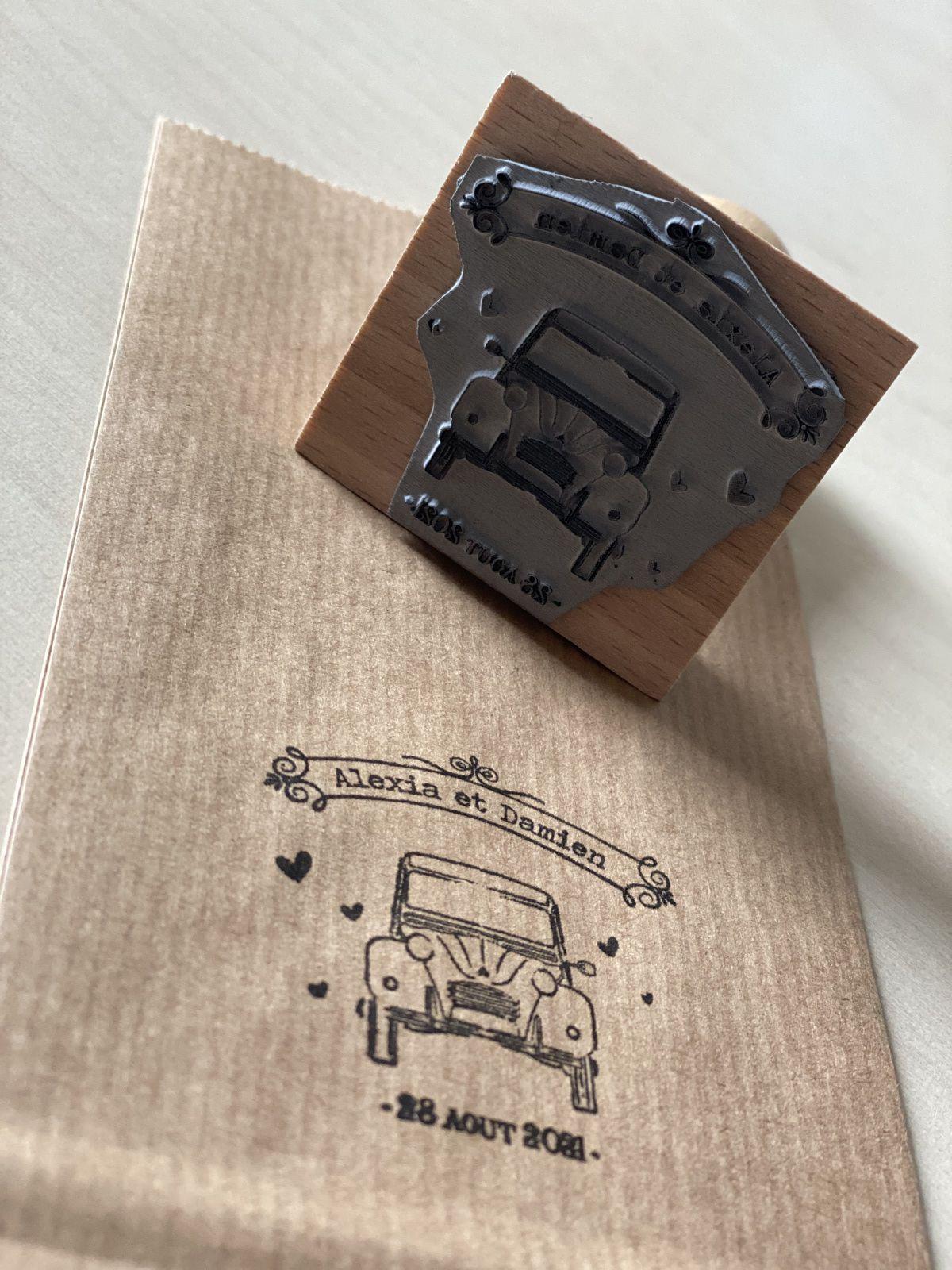 création tampon personnalisé sur mesure mariage #efdcbysoscrap montage support bois (encre non fournie) 2cv vintage rétro prénoms mariés + date
