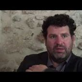 Interview filmée d'Arnaud Joyet - Critique Humoristes