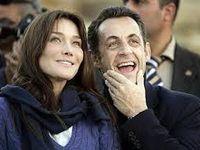 Al centro, Rachida Dati, ministro nemica di Carla Bruni durante il mandato di Sarkozy, a dx, Charlotte Casiraghi